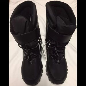 Cat & Jack Winter boots NWT kids size 4